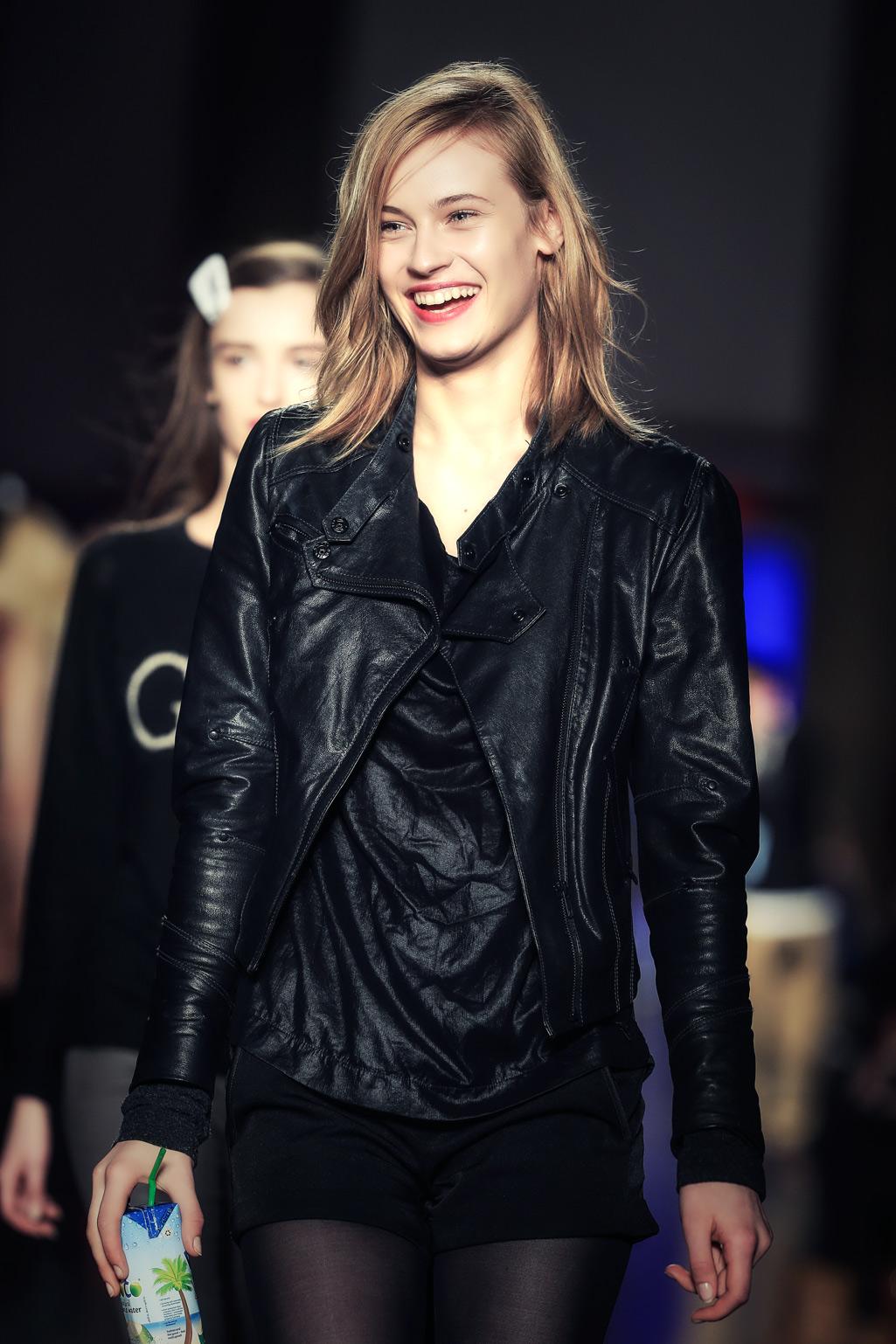 london-fashionweek-backstage-355